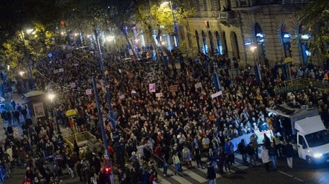 Protesters in Hungary call on tax chief to step down
