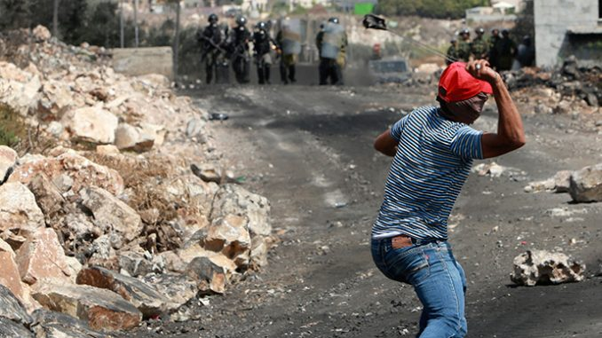 Israeli ministers pass bill jailing stone throwers for 20 years