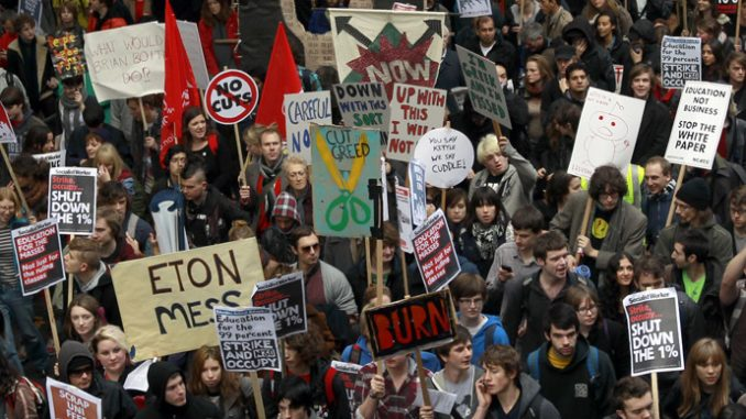Video - Clashes between protesters and police at 'Free Education' march in London