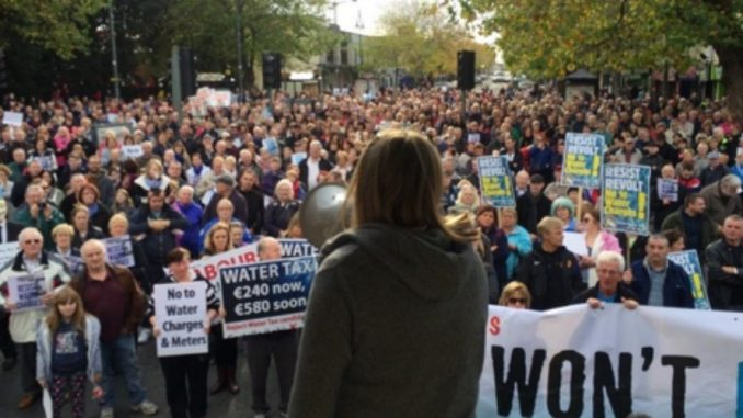 Hundred-thousand rise against Irish water tax