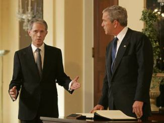 Blair aide who brokered deal that took us into Iraq war gets New Year Honours gong