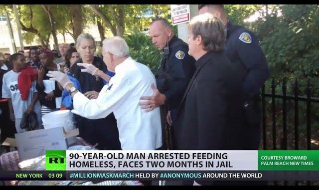 Video: City lifts law after 90yr old US veteran arrested for feeding homeless