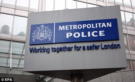 Senior Met Police officer arrested on suspicion of dealing drugs