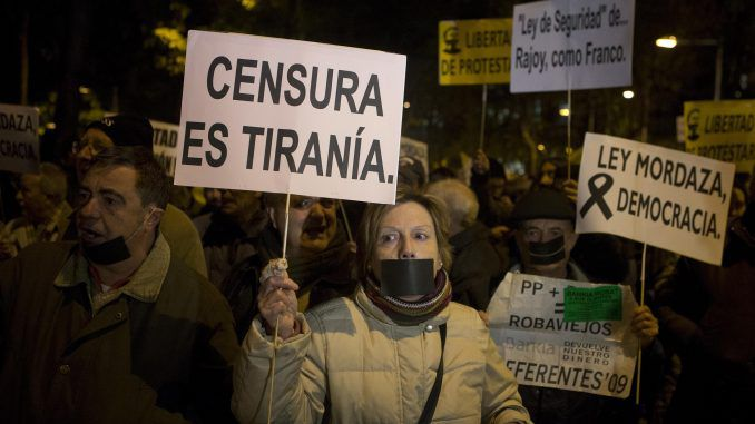 1,000s protest new security law in Spain