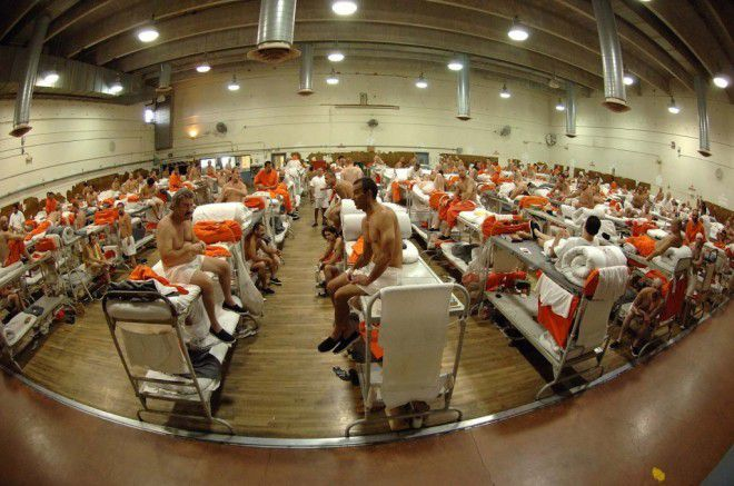 prison-overcrowding2-1024x679