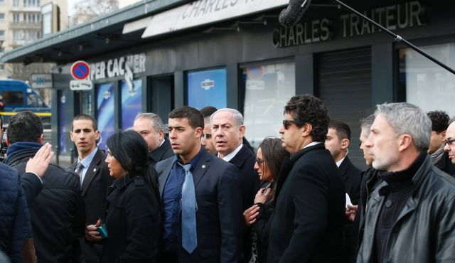 Benjamin Netanyahu criticised over his behaviour at Paris solidarity march