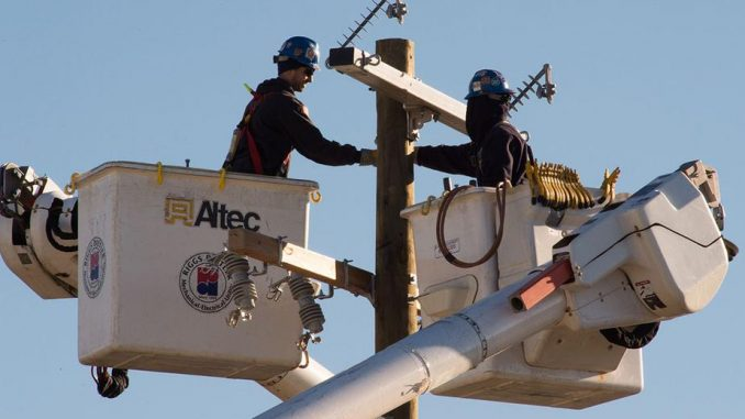 Smart grid powers up privacy worries