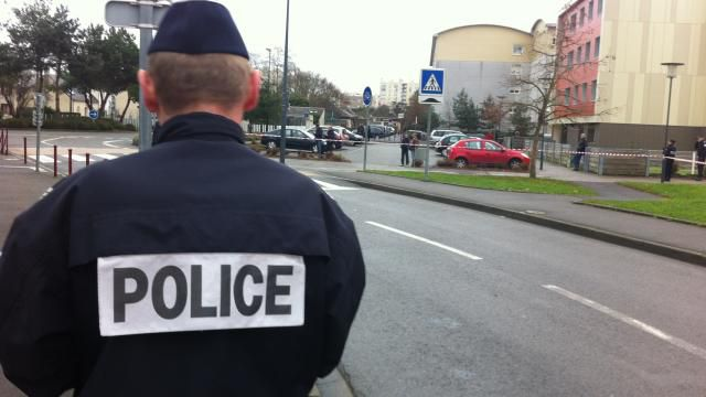 Grenades thrown at a mosque in Le Mans, west of Paris - reports