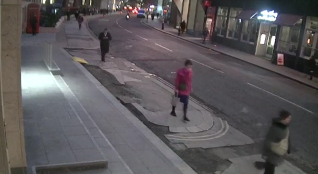 cyclist snatching mobile phone