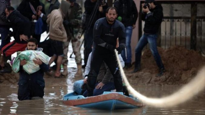 Hundreds of Palestinians forced to flee as Israel opens dams into Gaza Valley
