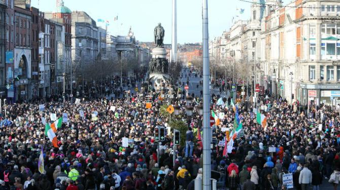 Thousands protest in Ireland against water charges