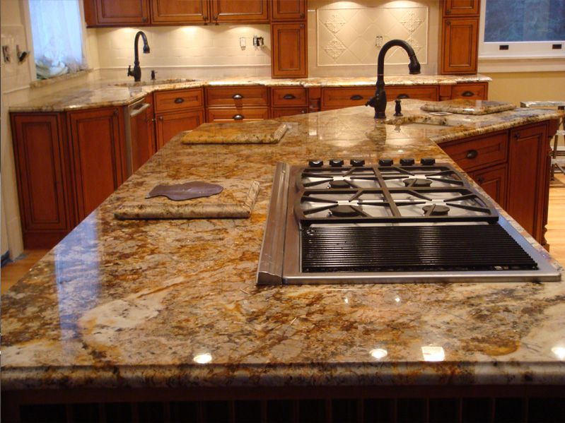 Radioactive_Granite-countertops-3