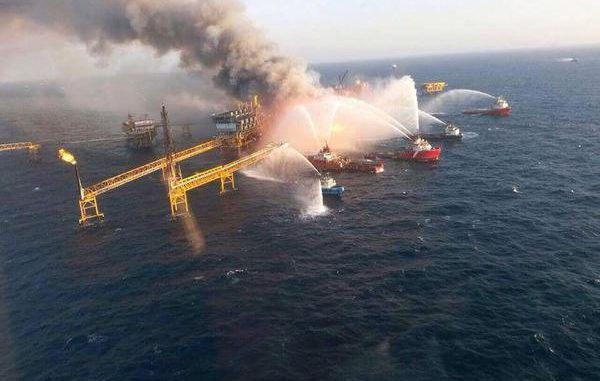 Fire Blazes On Oil Platform In Gulf Of Mexico - 300 Evacuated