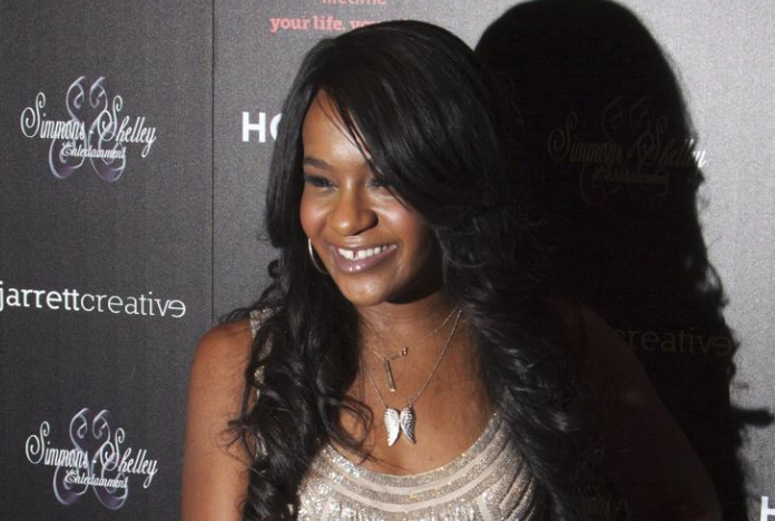 Bobbi Kristina_Life support
