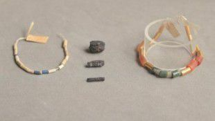 Archaeologists Find 5000 Year Old Egyptian Artifacts That Came From Space