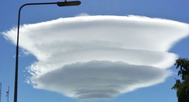 flying saucer clouds