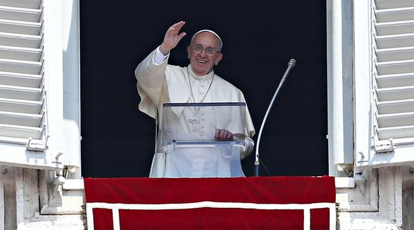 Pope Francis Calls For Ban On Nuclear Weapons