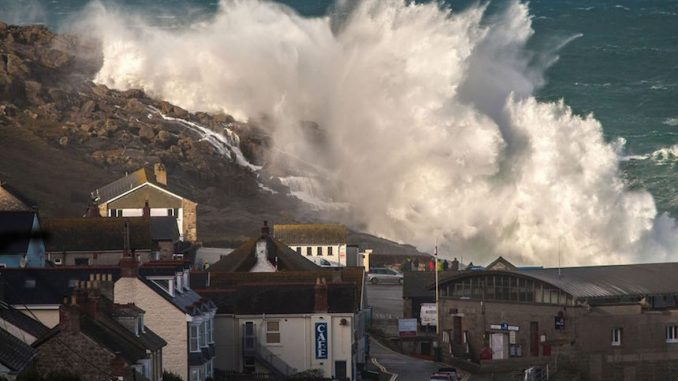 UK weather warning: Supertides coming to Britain
