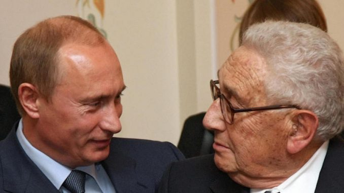 Henry Kissinger has said that Russia should be allowed to defeat ISIS