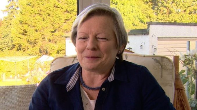 Woman who claims she can smell Parkinson's disease amazes doctors