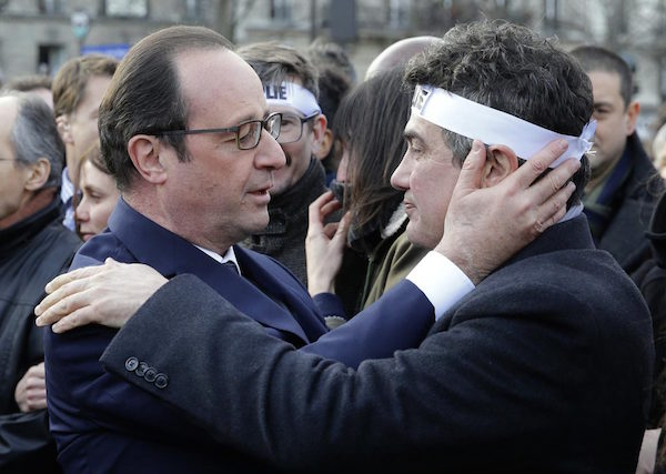 French President Hollande hugging actor/EMT of Paris attacks Patric Pelloux