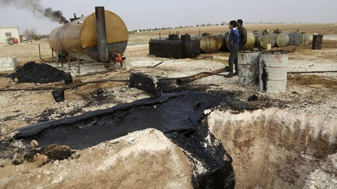 Norway claims that ISIS smuggle and sell oil to Turkey at very low prices