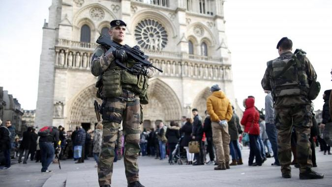 Paris cancels its NYE celebrations amid terror fears