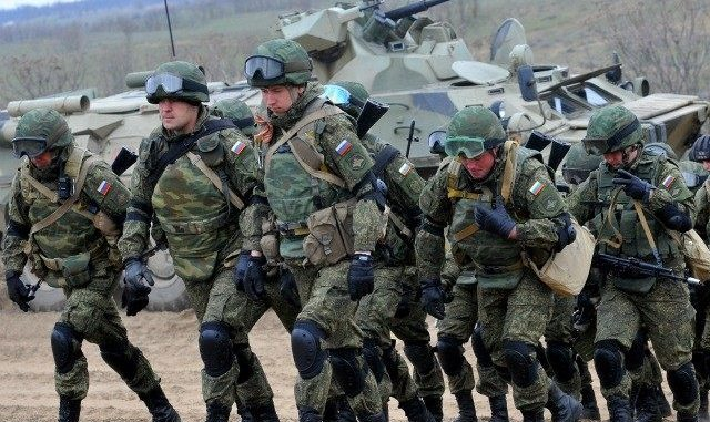 7000 Russian troops have been deployed to the border of Turkey armed with missiles and tanks