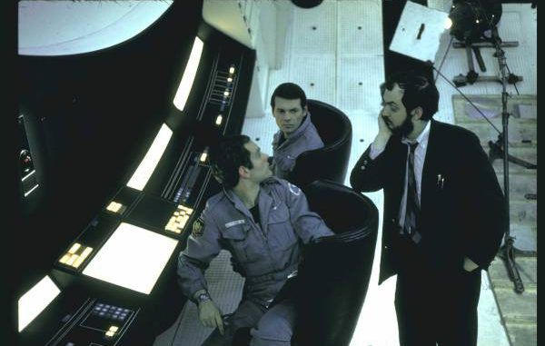 Stanley Kubrick admits on camera that he faked the moon landings for NASA
