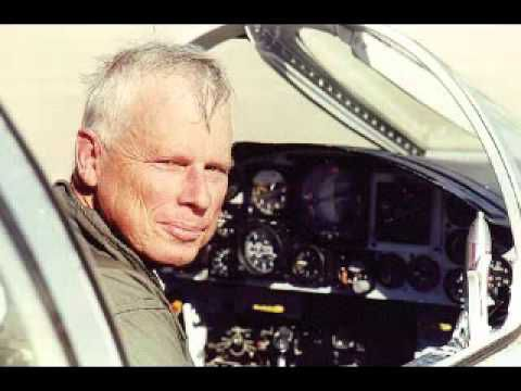 """Ex-CIA Pilot John Lear says that flying a plane into the Twin Towers is """"physically impossible"""""""