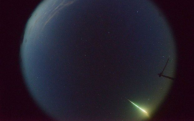 Desert Fireball Network cameras captured the meteority falling to earth near Lake Eyre.
