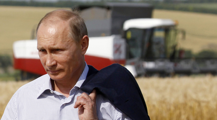 Putin bans American GMO soybeans and corn