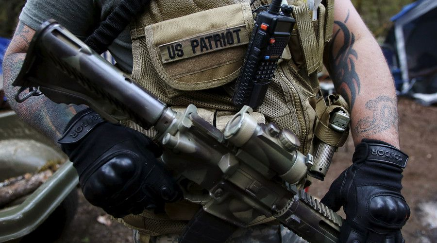 Armed milita take over federal building in Oregon