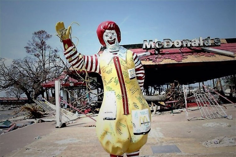 Mcdonalds restaurants closing en-masse worldwide after a mass awakening sees members of the public reject their GMO toxic ingredients in favour of more healthy options