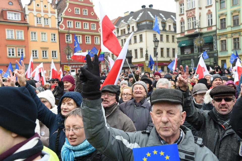 Several thousands of people took to the streets in Rynek, Poland on Saturday to protest what they say is excessive internet surveillance by the government.