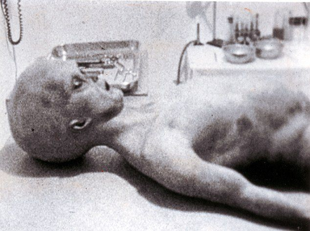 Soldier Breaks 44-Year Silence Over Roswell: 500 Military Men Saw the UFOs