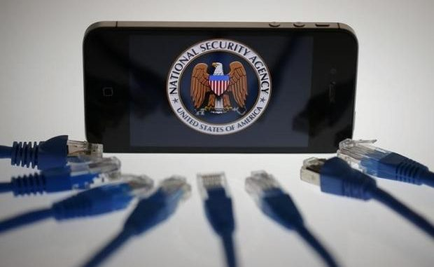Court orders Apple to install FBI backdoor onto its iPhone devices