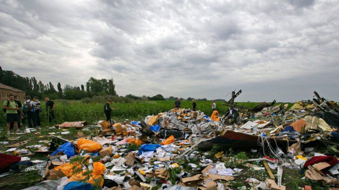 mH17 shot down with air-to-air missiles
