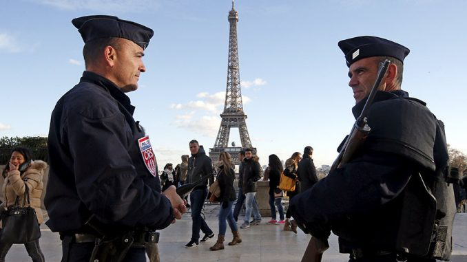 France may extend state of emergency/martial law powers