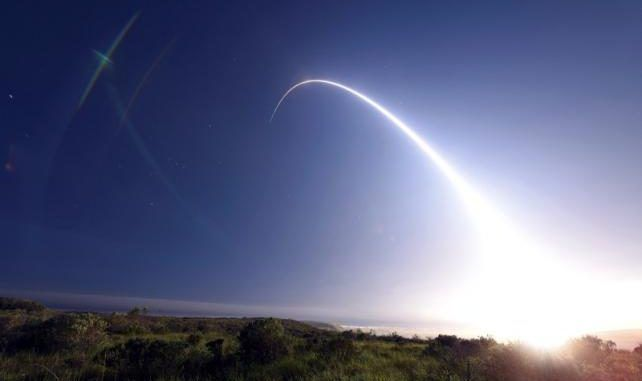 U.S. test fires nuclear ballistic missile as a warning to Russia