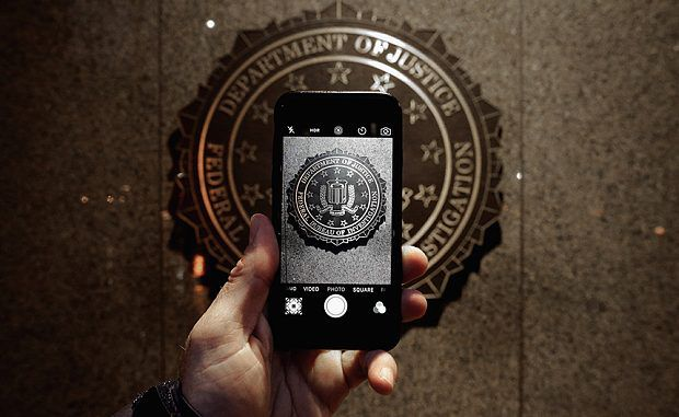 FBI threaten Apple with forcing them to release the iPhone source code