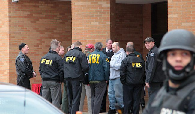 FBI orders all high schools to report anti-government students to authorities