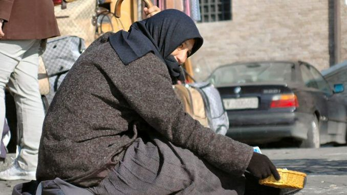 Italian Town To Fine Anyone Who Give Money To Beggars