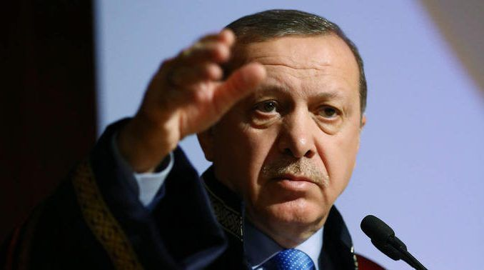 Turkish President Erdogan takes 1,845 to court for insulting him