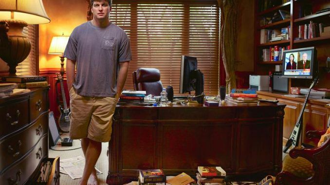 Michael Burry, the man who famously predicted the subprime mortgage crisis, says he has 'done the math' and a global financial meltdown that will lead to World War 3 is on the horizon and we are marching towards it at an ever increasing pace.