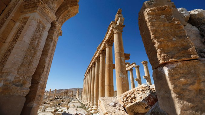 Syrian Army Unearth Dozens Of ISIS Victim In Palmyra Mass Grave