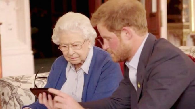 Queen Elizabeth takes up Obama Invictus game challenge