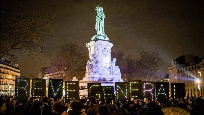 Thousands demand general revolution in France