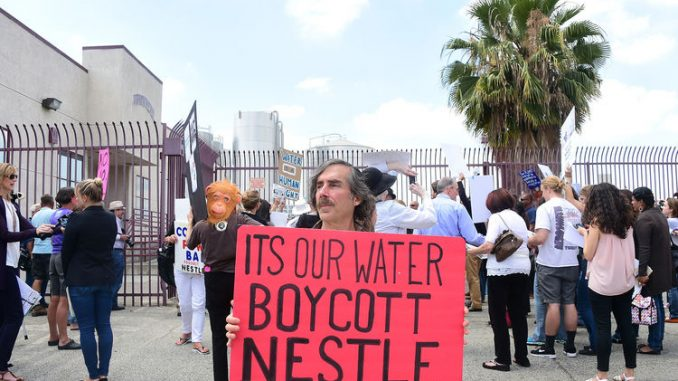 Protestors prevent Nestle from privatising water in Oregon