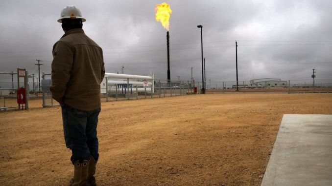 EPA insider claims government covered up dangers of fracking emissions